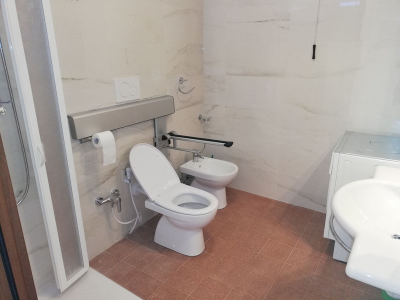 bagno-accessibile-residence-borgo-offida